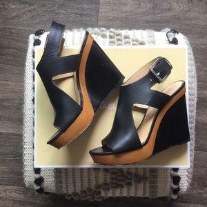 ❤️ 🌟  cute Michael Kors leather wedges🌟